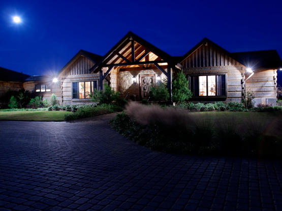 Luxury Log Homes and Hand Hewn Homes on