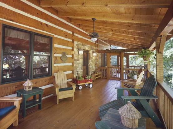 log homes, log cabin homes, timber frame homes, hand hewn homes, log home builders