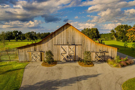 Timber frame barn in ocala fl hearthstone homes for Wood frame house in florida