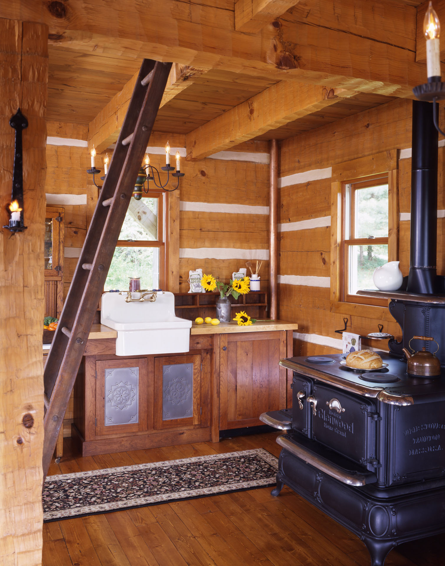 Yoder timberlake log home gallery hearthstone homes for Log home kitchens gallery